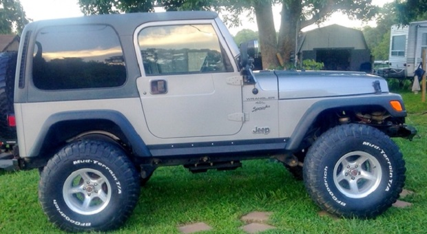 Today's Cool Car Find is this 2001 Jeep Wrangler TJ Sport