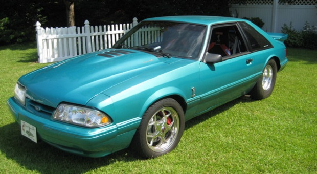 Today's Cool Car Find is this 1992 Ford Mustang