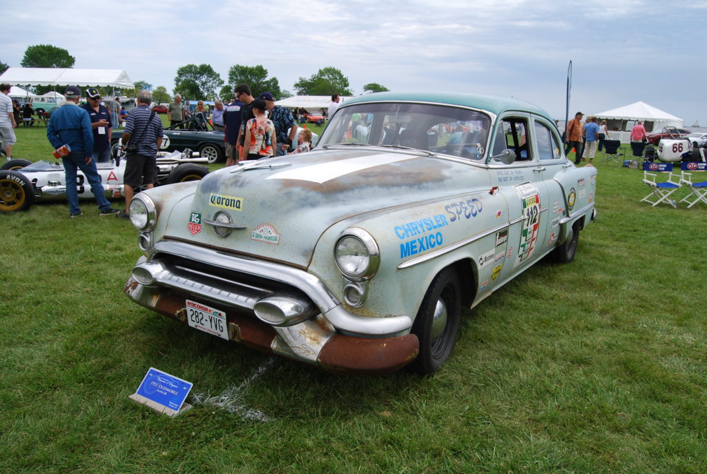'53 Olds Runs Mexican Road Race