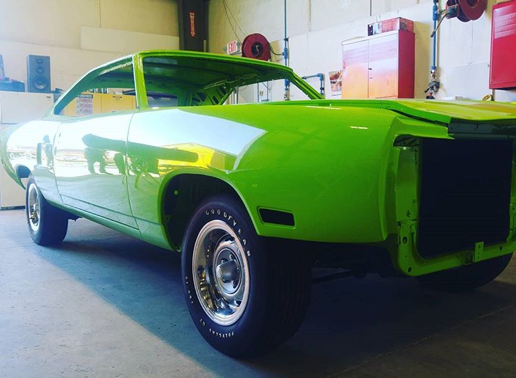 Graveyard Carz' Hellcrate-Powered Superbird