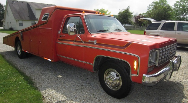 Today's Cool Car Find is this 1976 Chevrolet Wedge Bed Hauler