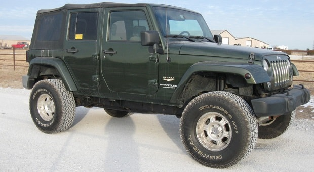 Today's Cool Car Find is this 2008 Jeep Sahara for $10,900