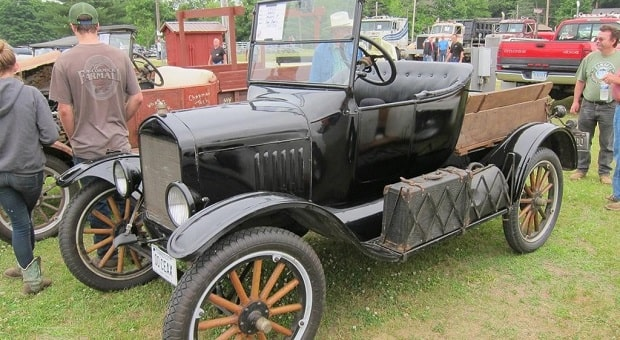 Gallery: 30th Annual Nutmeg Chapter Antique Truck Show
