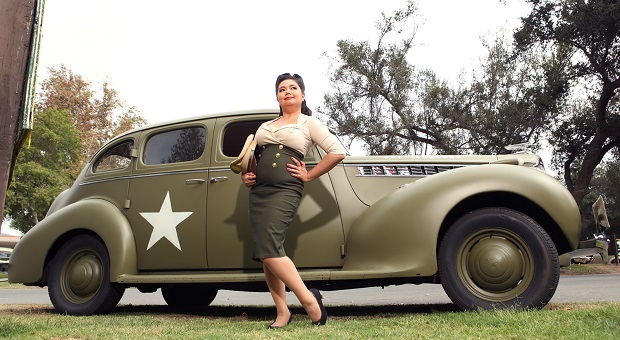 Mitzi Valenzuela's Pinup Corner: A Miss Called Vicky