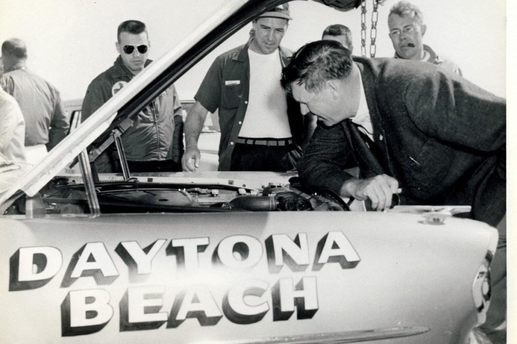 Pontiacs Were February Flyers at Daytona