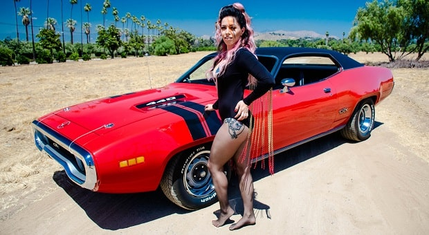 pinup pole show pinup of the week: monique abbott – racingjunk news