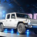 Jeep Gladiator Pickup Debuts at LA Auto Show