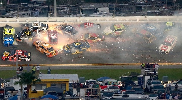 Crashes and Cautions Mark 2019 NASCAR Daytona Season Openers