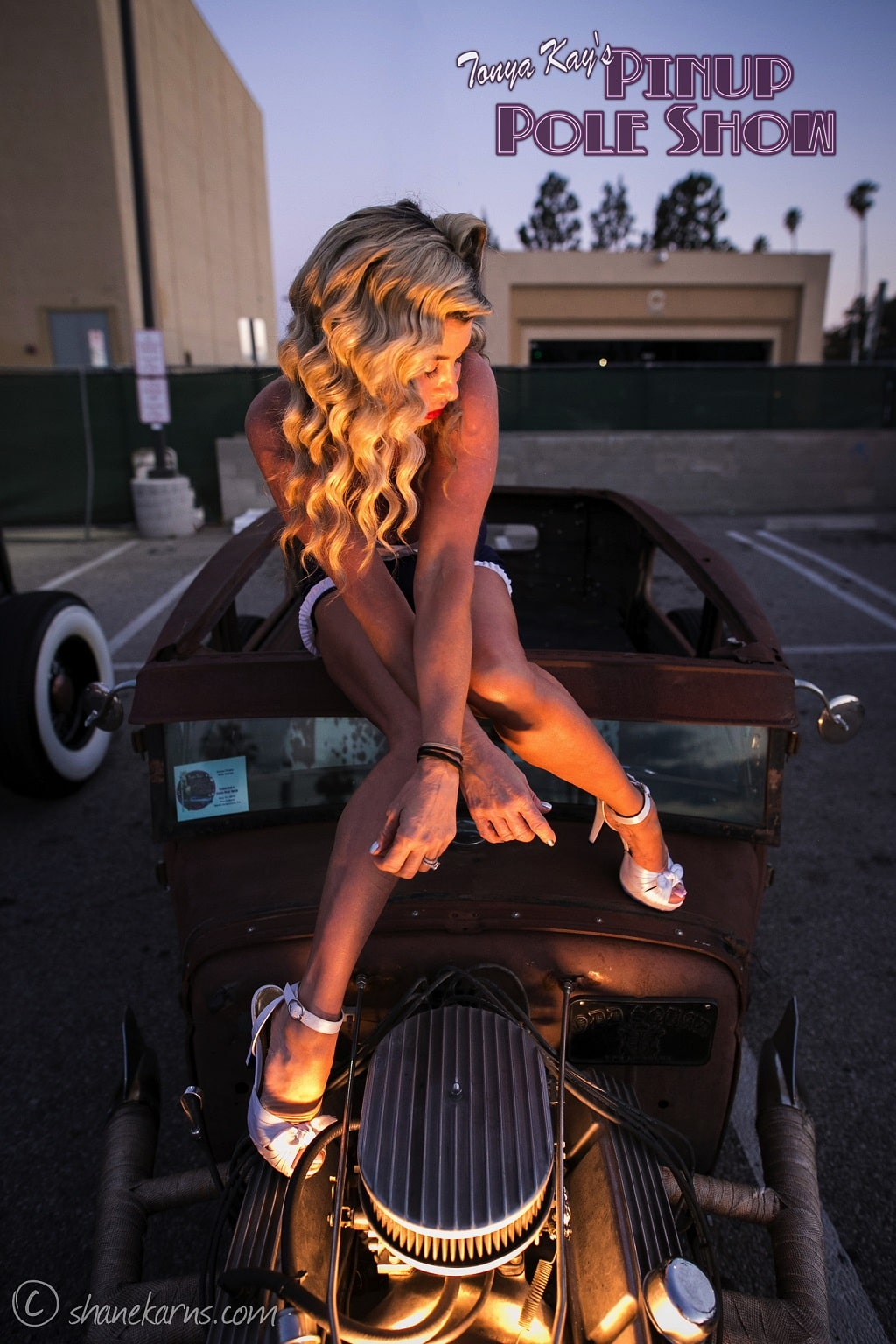 Pinup Pole Show Pinup of the Week: Heather Lou and Monica Kay with a