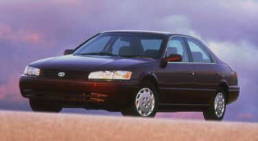 20 Years Ago: The Camry Keeps Selling