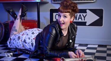 Mitzi's Pinup Corner: Miss Lisa Frankenstein