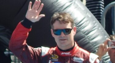 20 Years Ago: Jeff Gordon Shines in 1999 Daytona 500