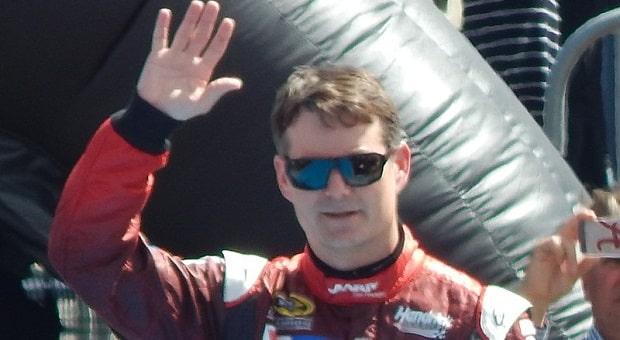20 Years Ago: Jeff Gordon Shines in 1999 Daytona 500