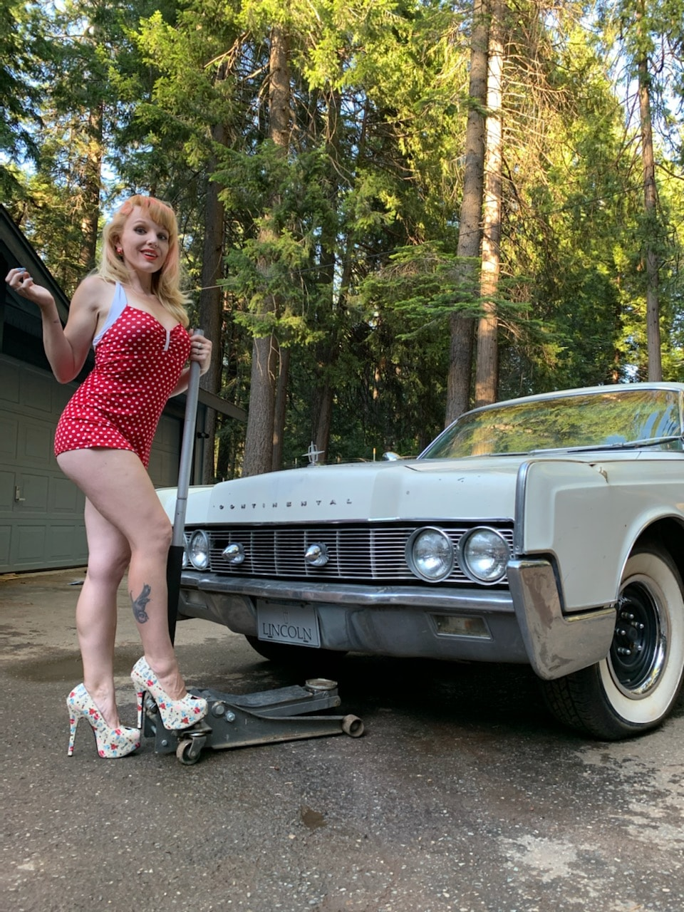 Lusty VonDame - 1967 Lincoln Continental - Tahoe, CA