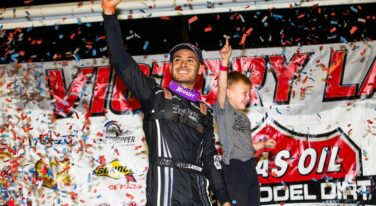 Kyle Larson Continues to Earn His Keep in Dirt Racing World