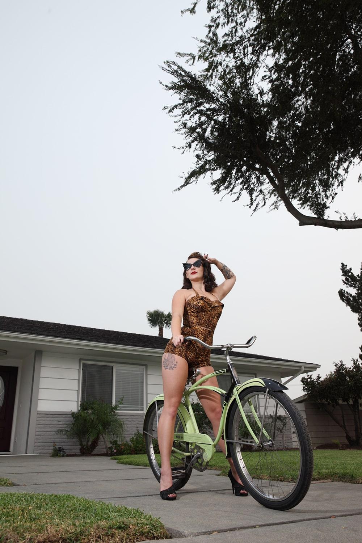 Mitzi Valenzuela - MissFemmeFatale