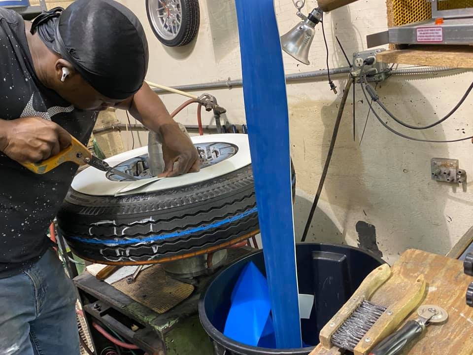 [Gallery] Shop Stop: Diamond Back Tires