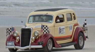 [Gallery] Living Legends Of Auto Racing Beach Parade