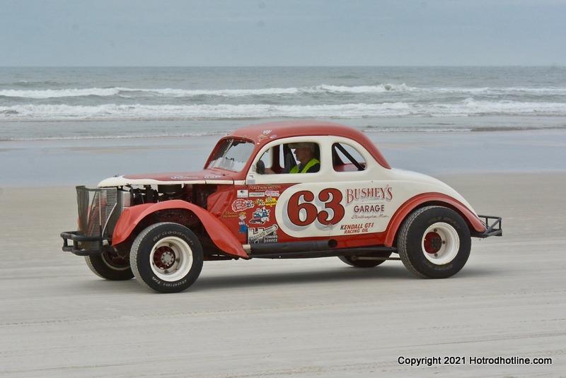 [Gallery] Living Legends Of Auto Racing Beach Parade