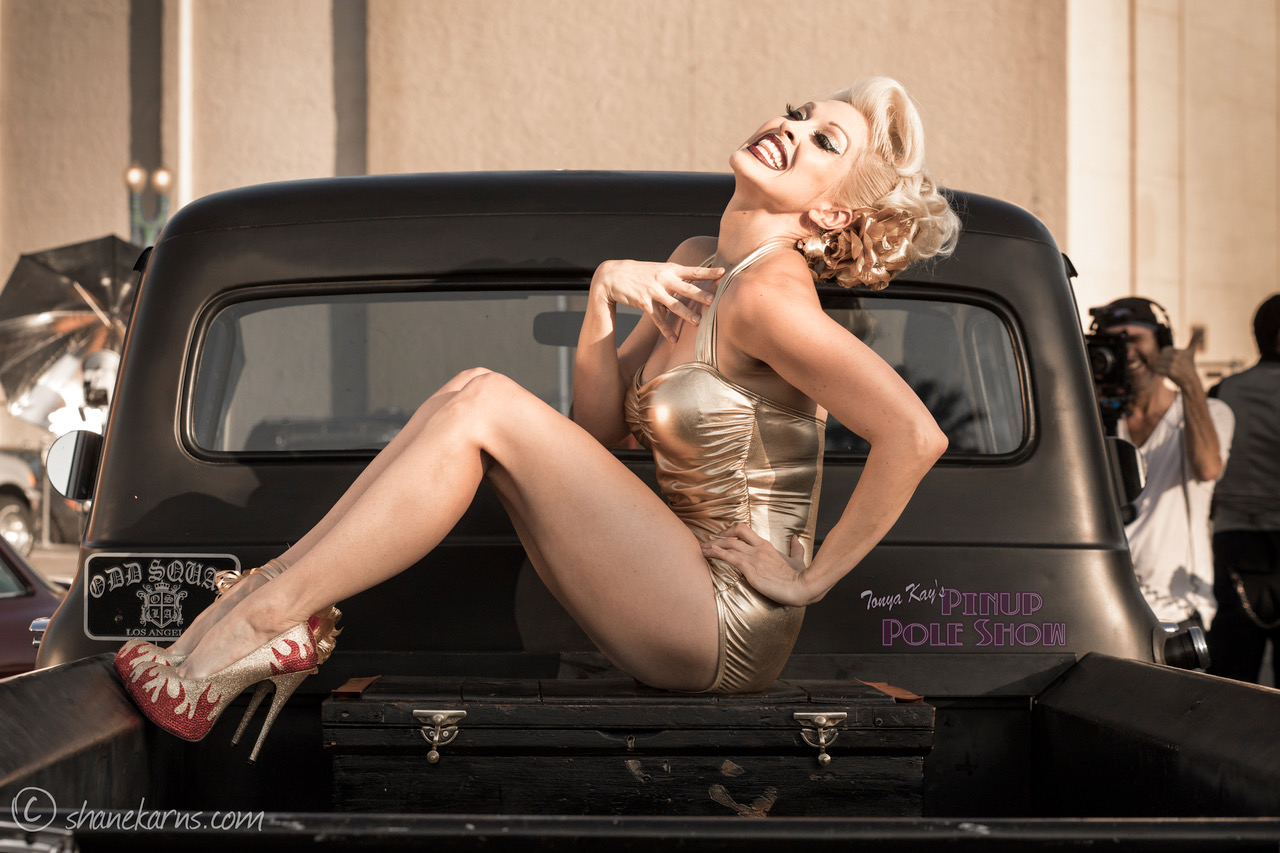 Pinup Pole Show Pinup of the Week: Heather Lou and 1956 Ford pickup Photo 6
