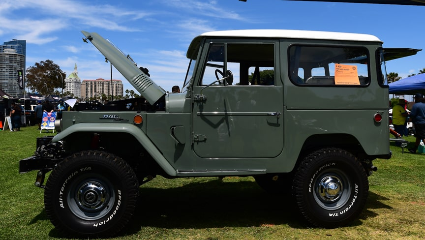 Land Cruiser FJ40 in awesome condition-min