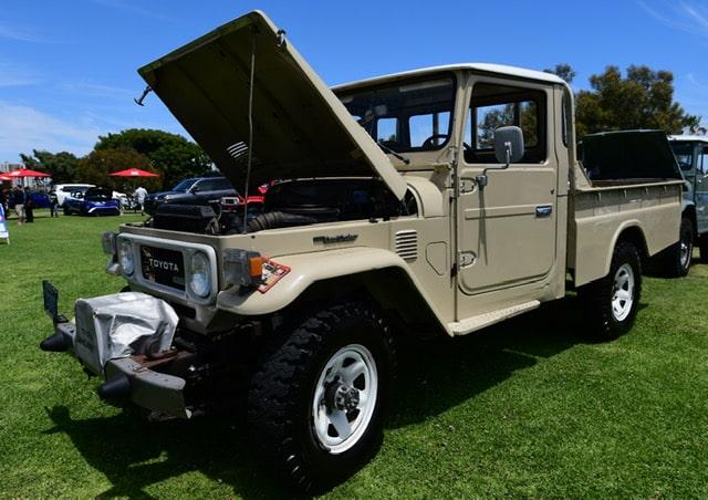 Land Cruiser diesel pickup2-min