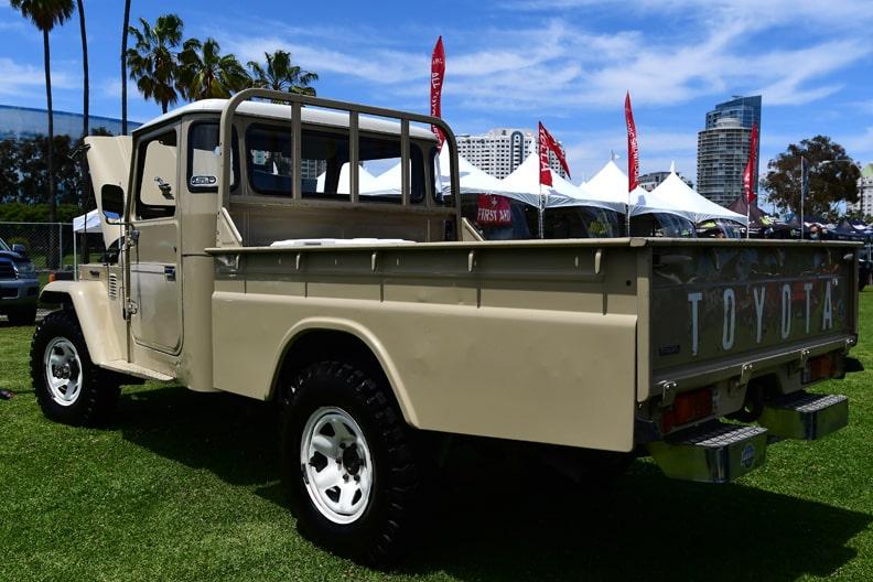 Original Land Cruiser diesel pickup - even the paint is original!-min