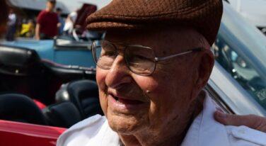 """Petersen Museum Honors Ed """"Camfather"""" Iskenderian"""