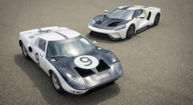 New Ford GT is a Nod to Le Mans-winning Race Cars
