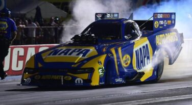 Ron Capps is seeded #1 in Funny Car-min